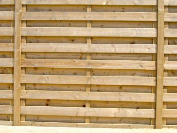 Tuinscherm uit geïmpregneerd hout